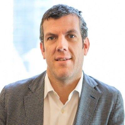 Dominic Curran, Lagardère Plus executive vice president